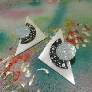 Contempo Vtg BW pop art  geometric modern earrings